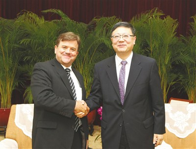 Chen Jining, Minister of the Ministry of Environment Protection of the People's Republic of China, met with Eric Heitz, Co-founder and CEO of Energy Foundation