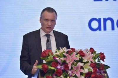 国际可再生能源署创新技术中心主任 Dolf Gielen