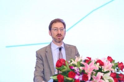 彭博新能源财经美洲区主管 Ethan Zindler