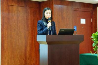2015年12月22日-23日,遂宁种子教师培训,能源基金会中国传播专员周杰女士致辞